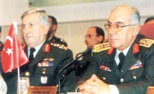 Protestolar-Ordu-Provokasyon: Protestolar-Ordu-Provokasyon Tüm bunlar olurken, Bir Dakika Karanlık eylemleri bir anda nitelik değiştirdi ve REFAHYOL iktidarına karşı laiklik yanlısı eylemlere dönüştü. Bu değişimin ordunun eylemleri manipüle etmesi sonucu gerçekleştiği, yaygın bir iddiadır. 1 Şubat'ta başlayan eylemlere, organizasyonu yapanlarca 9 Mart'ta son verildi.
