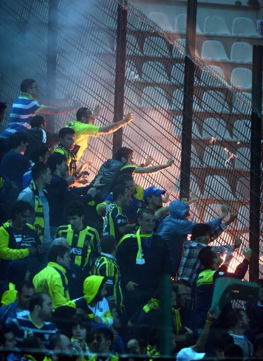 Bursa'da maç bitti, ortalık karıştı!