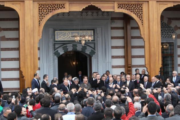 Erdoğan, havalimamnında cami açılışı yaptı