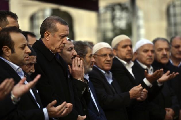 Mustafa Sungur ebediyete uğurlandı