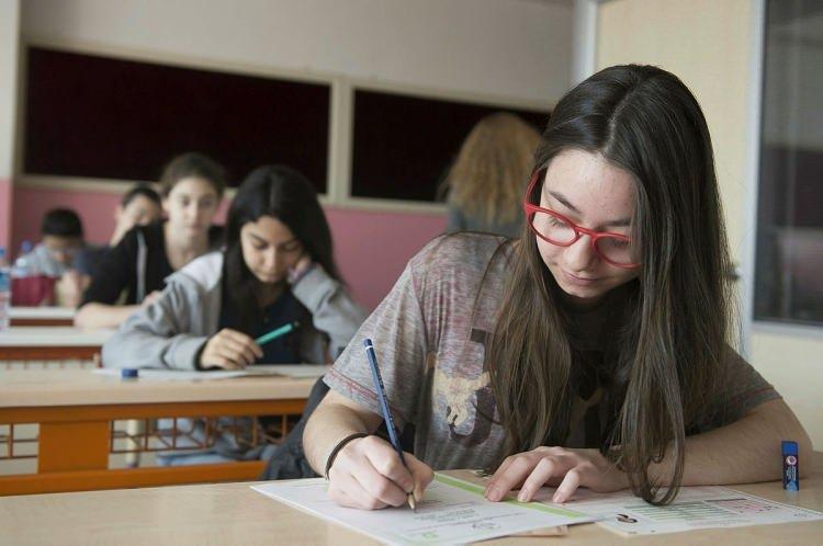 """<p><span style=""""color:#FFFFFF"""">Sınavın Cumartesi mi yoksa Pazar günü mü yapılacağı konusunda net bir açıklama yapılmış değil.</span></p>  <ul> </ul>"""