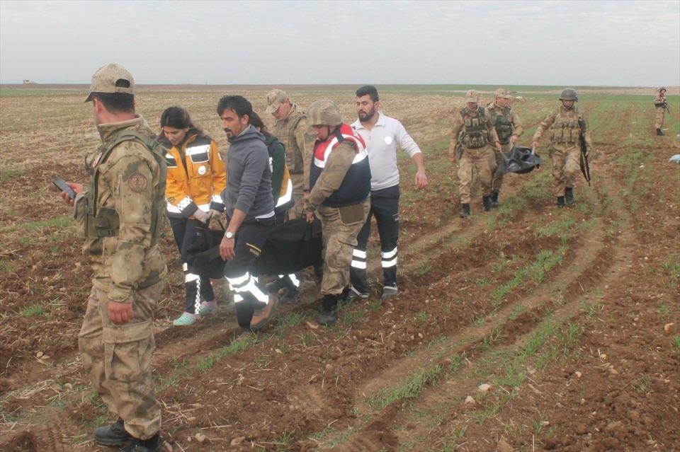 <p>Yaralılar 112 Acil Servis ekiplerince Silopi Devlet Hastanesine kaldırıldı.</p>