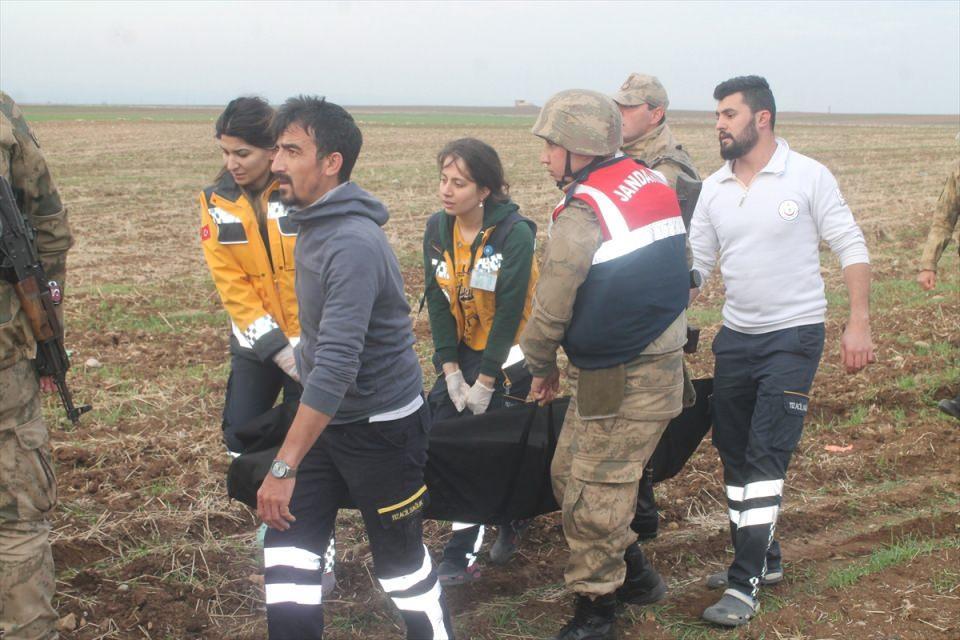 <p>Yaralanan ve yakınlarını kaybedenleri güvenlik güçleri teselli etmeye çalıştı.</p>
