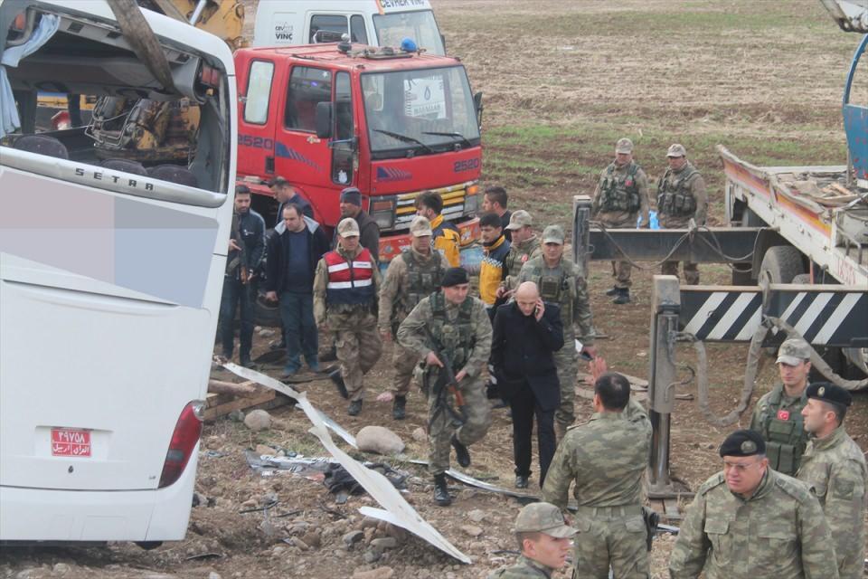 Yolcu otobüsü kaza yaptı! 9 ölü, 28 yaralı