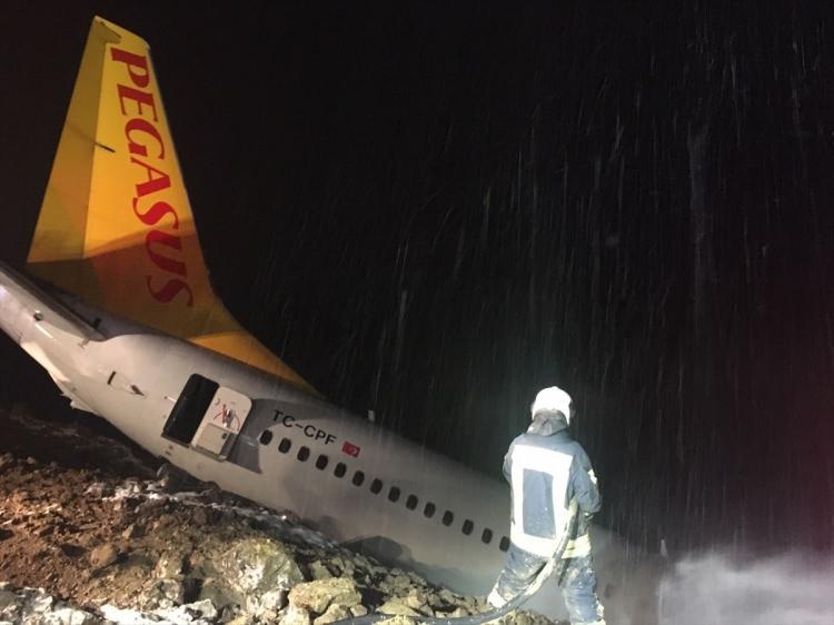 """<p>Yavuz, yolcuların tahliye edildiğini belirterek """"Herhangi bir yaralı yok."""" dedi.</p>  <p></p>"""