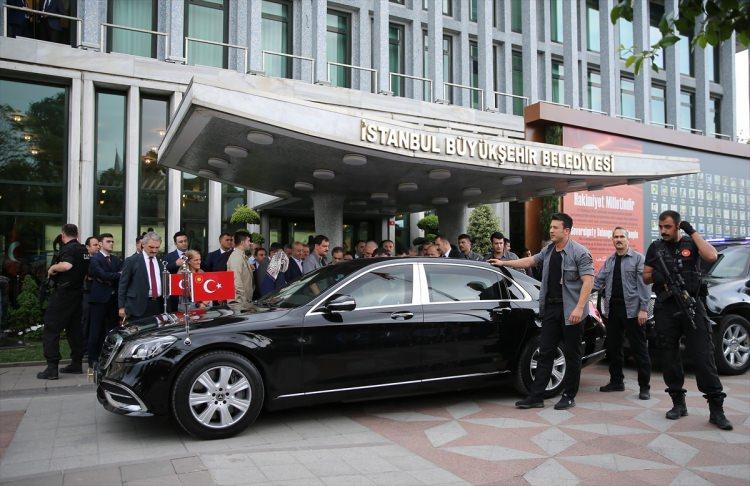 <p>Vatandaşlar, Erdoğan'a İstanbul'a yapılacak millet bahçelerinden dolayı teşekkür etti.</p>