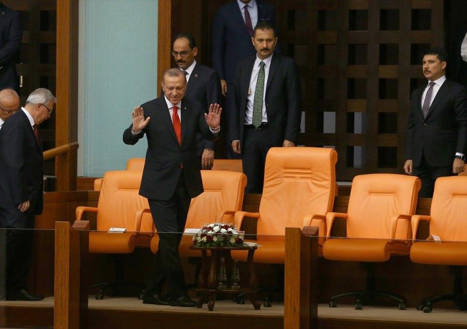 <p>Genel Kurula Cumhurbaşkanı Recep Tayyip Erdoğan da katıldı.</p>
