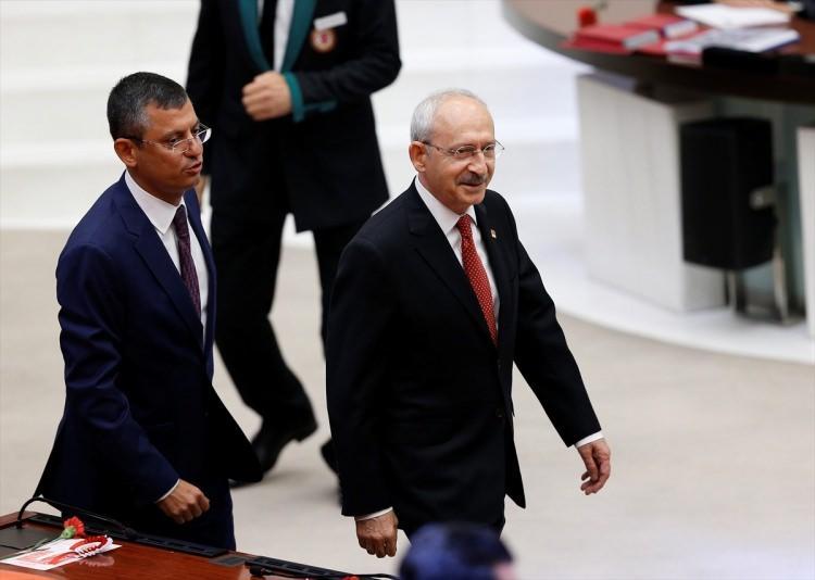 <p>Genel Kurula CHP Genel Başkanı Kemal Kılıçdaroğlu da katıldı</p>
