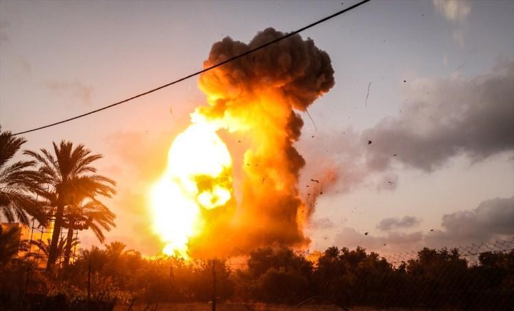 <p>İsrail basınında yer alan haberlere göre, İsrail Başbakanı Binyamin Netanyahu Gazze'deki durumu ele almak üzere başkent Tel Aviv'deki Genelkurmay karargahına geçti.</p>