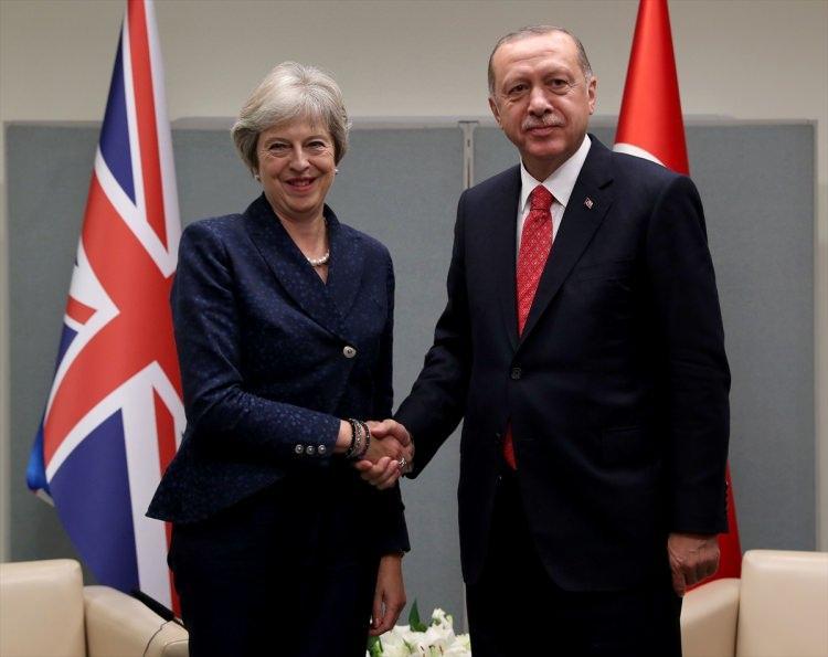 <p>Birleşmiş Milletler (BM) 73. Genel Kurulu Görüşmelerine katılmak üzere ABD'nin New York kentinde bulunan Türkiye Cumhurbaşkanı Recep Tayyip Erdoğan, İngiltere Başbakanı Theresa May ile görüştü.</p>  <p></p>