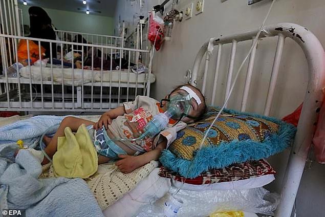 <p>Suudi Arabistan'ın hava saldırısından kaçmış olan ailesi Amal'de akut malnütrisyon görüldüğünü söylemişti.</p>  <p></p>