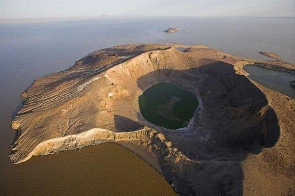 Dünyanın en büyük çöl gölü