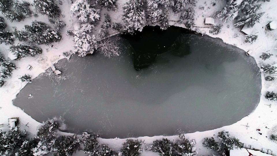 Limni Gölü'nde kar güzelliği büyülüyor