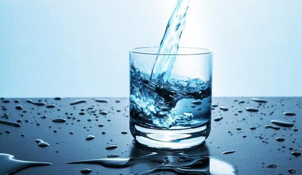 <p>Oksijenli su ile gargara yapın</p>