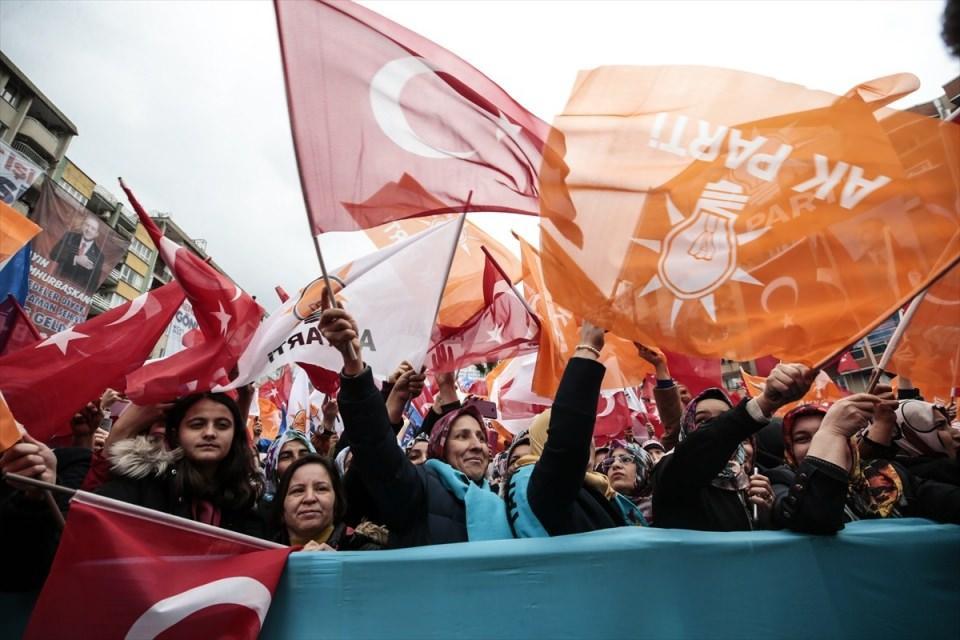 <p>Türkiye Cumhurbaşkanı ve AK Parti Genel Başkanı Recep Tayyip Erdoğan, partisince Kahramanmaraş'ta düzenlenen mitinge katılarak konuşma yaptı. Programa vatandaşlar ilgi gösterdi.</p>  <p></p>