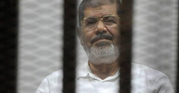 <p>Tam adı Muhammed Mursi İsa el Eyyat olan Mısır Cumhurbaşkanı, 8 Ağustos 1951 tarihinde, ülkenin kuzeyindeki Şarkiye ilinde doğdu.</p>  <p></p>