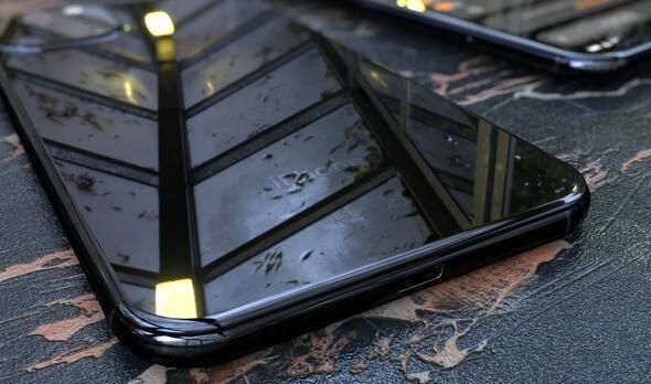 <p>Apple'a yakın kaynaklarca paylaşılan bilgiler doğrultusunda, 2019 iPhone XI modelinin üçlü ana kamera kurulumuna, 4000 mAh bataryaya, 15W kablosuz şarj desteğine ve 120Hz OLED ekrana ev sahipliği yapacağı belirtilmişti.</p>
