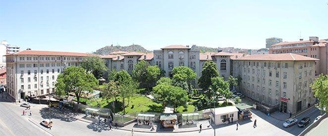 <p>2- Ankara Sosyal Bilimler Üniversitesi</p>  <p>Ankara Sosyal Bilimler Üniversitesi hazırlık dahil 5 yıl süre ile 9 ay burs imkanı sağlıyor. Üniversitenin burs imkanlarından faydalanabilmek Ankara Sosyal Bilimler Üniversitesi'ni ilk 5 tercihe yazmanız gerekiyor. İşte Ankara Sosyal Bilimler Üniversitesi burs imkanları;</p>  <p>- SAY, EA ve Sözel puan türünde 1-1000, DİL puan türünde1-200arasında bulunan öğrenciler için aylık 1250 TL,</p>  <p>- SAY, EA ve Sözel puan türünde 1001-3000, DİL puan türünde201-500 arasında bulunan öğrenciler için aylık 1000 TL,</p>  <p>- SAY, EA ve Sözel puan türünde 3001-5000, DİL puan türünde 501-1000arasında bulunan öğrenciler için aylık 800 TL başarı bursu veriliyor.</p>