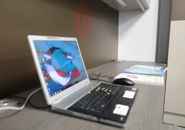 <p>Cep telefonu, bilgisayar, tablet gibi bireysel elektronik cihazların şarj edilebilmesi için her dolapta 2 usb girişli priz sistemi...</p>