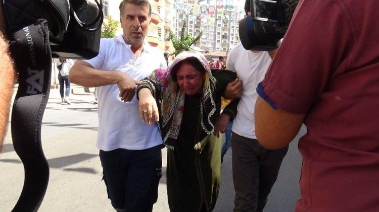 <p>Bozkurt, kuzeni S. Çetinkaya'ya kavuşma ümidiyle oturma eylemini sürdürürken acı bir haber aldı.<br /> </p>