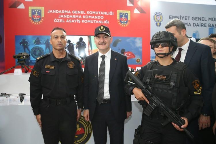 <p>Bir dizi temaslarda bulunmak üzere Türkiye'ye gelen İçişleri Bakanı Soylu ile görüşme gerçekleştiren Ukrayna İçişleri Bakanı Arsen Avakov da festivali izledi.</p>