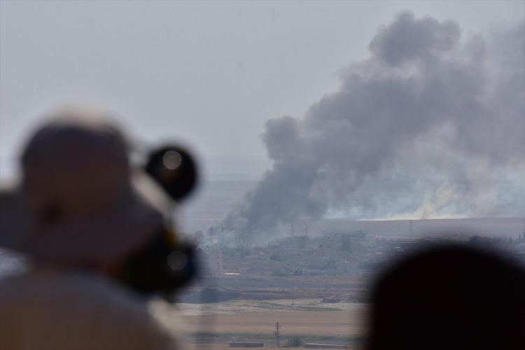 <p>YPG/PKK, söz konusu kara yolunu, lojistik ve ticari faaliyetleri için kullanıyor.</p>