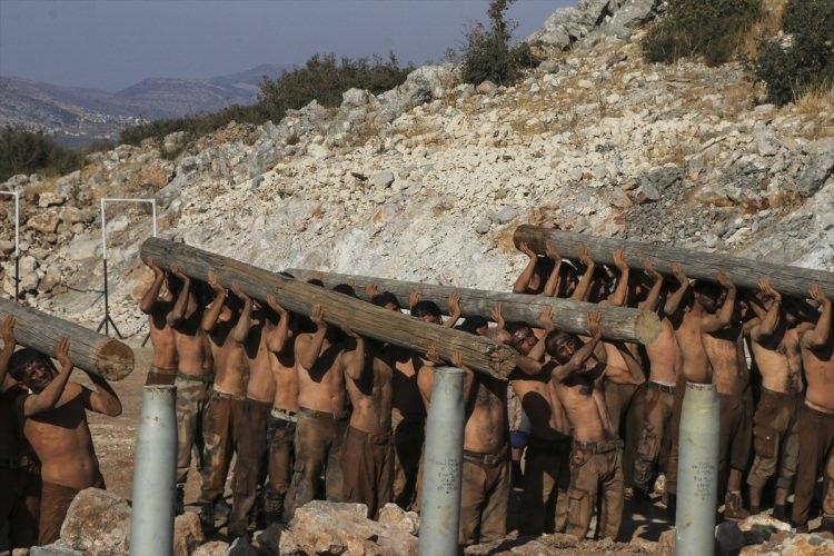 <p>Bir operasyon olursa askerimiz hazır. Tatbikat yapma amacımız askerlerimizin hazır olması ve Fırat'ın doğusunda tamamen başarı elde etmesi.</p>