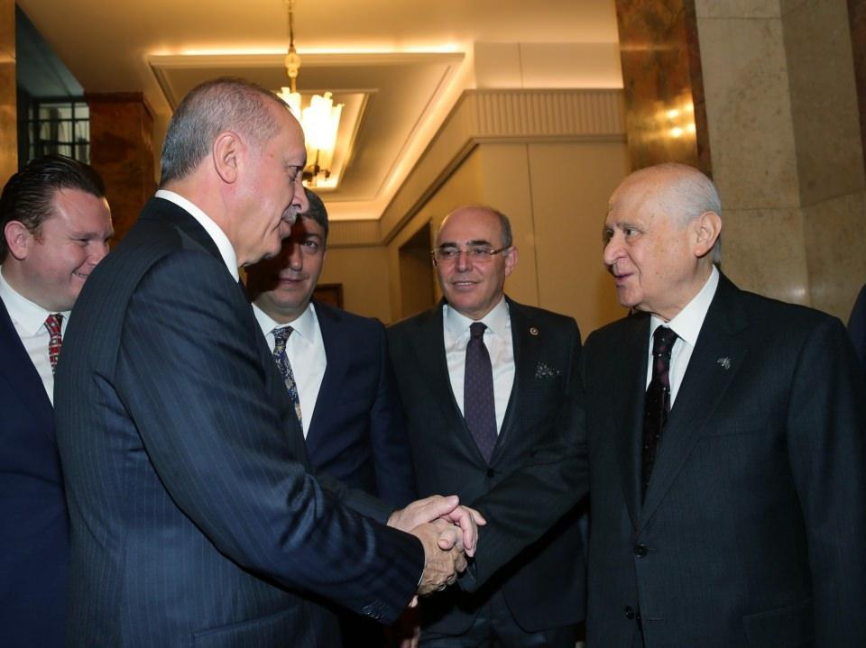 <p>Cumhurbaşkanı Recep Tayyip Erdoğan, TBMM'de MHP Genel Başkanı Devlet Bahçeli ile görüştü.</p>