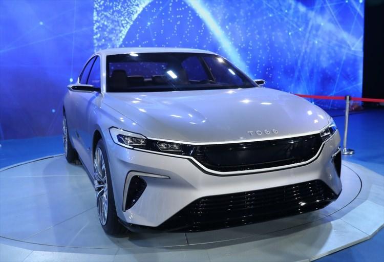 Ünlü isimlerden 'yerli otomobil' paylaşımı