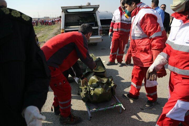 <p>Kulivend, yolcuların ve mürettebatın cesetlerini olay yerinden topladıklarını ve adli tıp kurumuna göndereceklerini ifade etti.</p>