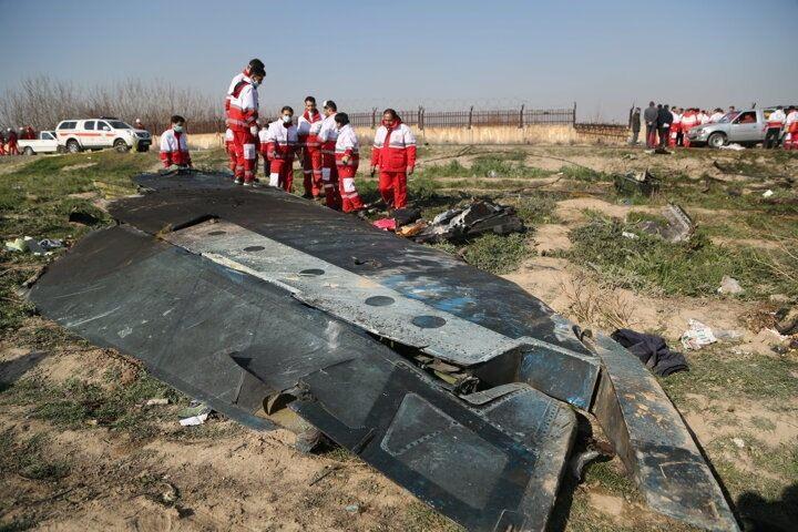 <p>İran'da düşen yolcu uçağındaki 176 kişi hayatını kaybetti</p>