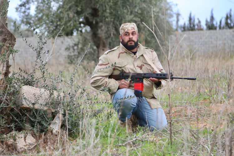 <p>Ateşkes geçerli olmasına rağmen cephe hattının sıcak noktasında silah sesleri duyuluyor.</p>  <p></p>