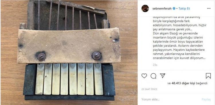 <p>Babasını 1999 Gölcük depreminde kaybeden şarkıcı Şebnem Ferah, Instagram hesabından duygulandıran bir paylaşımda bulundu. Ferah, deprem enkazından çıkıp kendisine verilen ve rahmetli babasından hatıra kalan piyanoyu koyan Ferah, cümleleriyle herkesi hüzünlendirdi.</p>