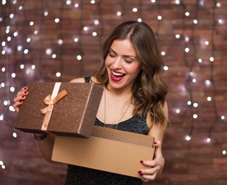 Kadınlara ne hediye alınır? Kadınların çok seveceği 10 hediye önerisi