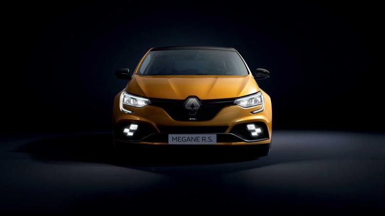 Makyajlı 2020 Renault Megane, hibrit motor ile geldi! İşte özellikleri...