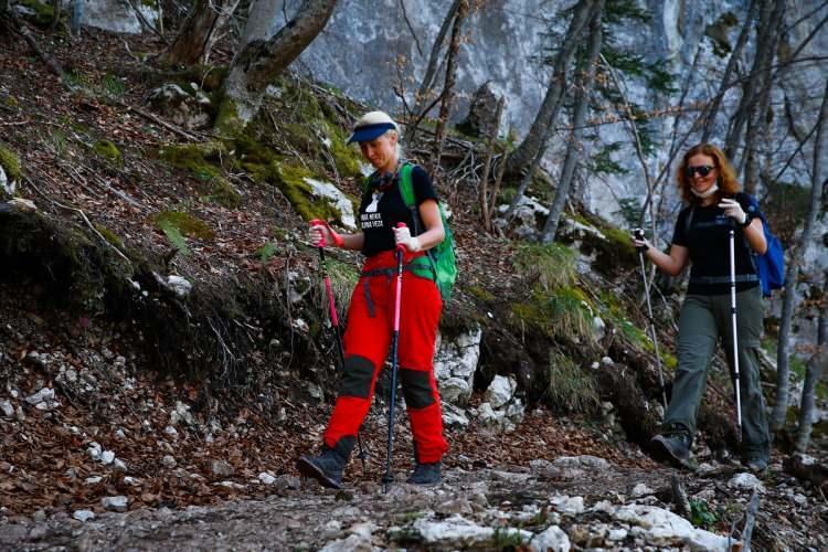 <p>Doğanın yeşile bürünmeye başladığı nisan ayında başkent Saraybosnayakınlarındaki Skakavac Şelalesi görsel bir şölen oluşturdu. .</p>