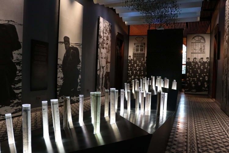 """<p>Sakarya Meydan Muharebesi'nde son sınıf öğrencilerini şehit veren """"Taş Mektep""""in Milli Mücadele Müzesini yaklaşık yarım milyon kişi ziyaret etti. Temelleri II. Abdülhamid tarafından 1903'te atılan Taş Mektep, 2016'da müzeye dönüştürülerek """"Milli Mücadele Müzesi"""" adını aldı.</p>"""