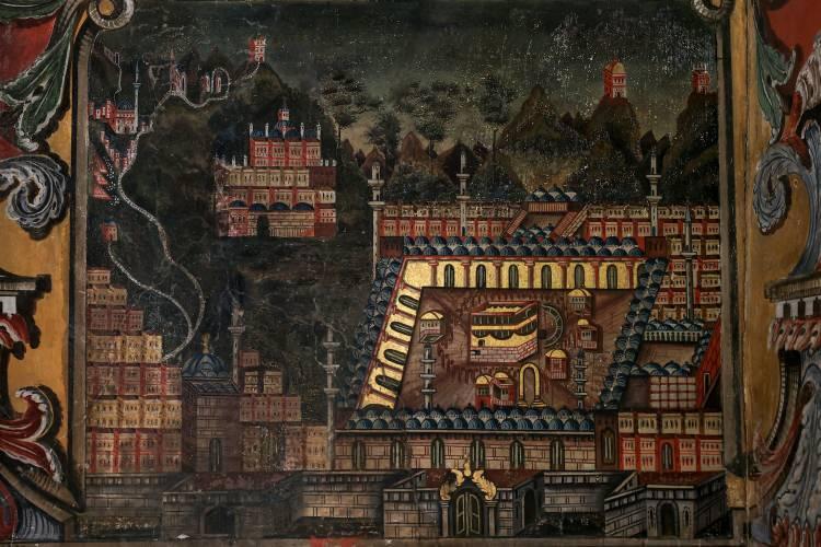 """<p>Kasami, caminin depremlerden zarar görmesinin ardından 1883 yılında Abdurrahman Paşa tarafından onartıldığını belirterek,<em>""""Abdurrahman Paşa camiyi külliye şeklinde tekrar yaptırdı. Cami ile ilgili bilgiler giriş kapısının üzerindeki kitabede yer alıyor. Abdurrahman Paşa'nın, 'Bu camiyi Kur'an okutmak ve hafız yetiştirmek için yaptım.' ifadeleri kitabede yer alıyor.""""</em>dedi.</p>"""