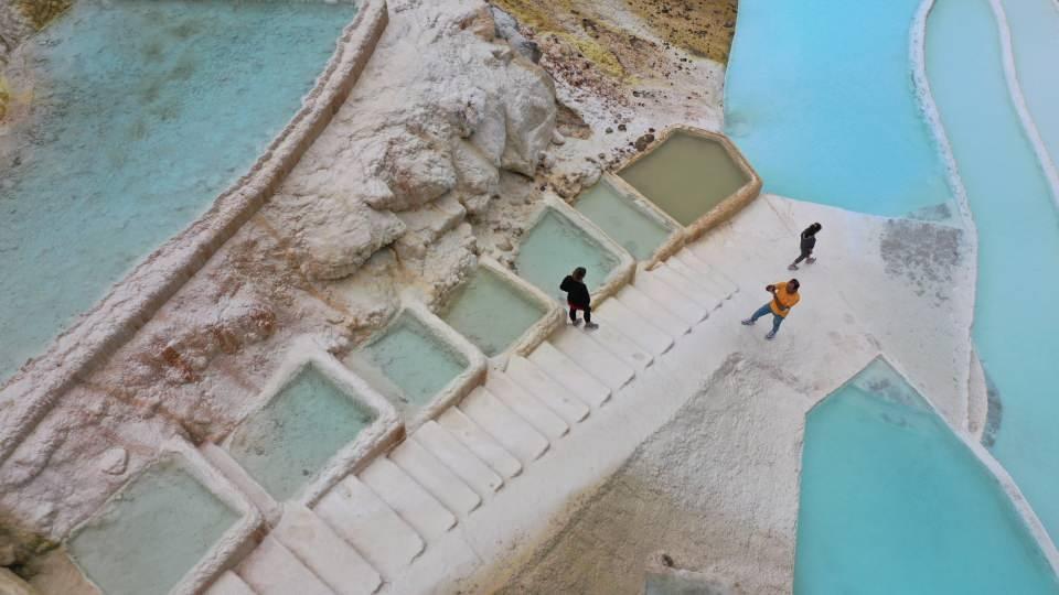 <p>Doğu Karadeniz Kalkınma Ajansının da (DOKA) desteklediği proje kapsamında, teras şeklinde büyüklü küçüklü göletler oluşturuldu.</p>  <p></p>