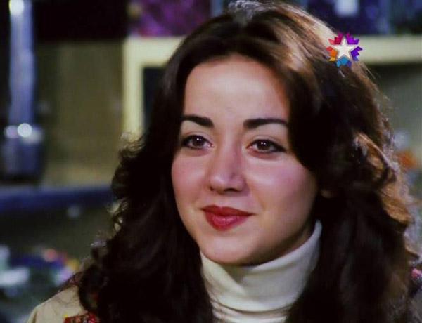 <p><strong>OYA AYDOĞAN'IN OĞLU GURUR: ULUS MEZARLIĞI'NDA TOPRAĞA VERİLMEK İSTİYORDU</strong></p>  <p>Sanatçının oğlu Gurur Aydoğan, hastane önünde yaptığı açıklamada, annesinin isteğinin yerine getirileceğini belirterek:</p>