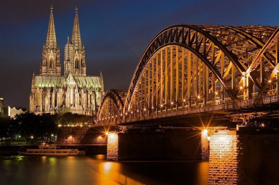 <p>Almanya</p>