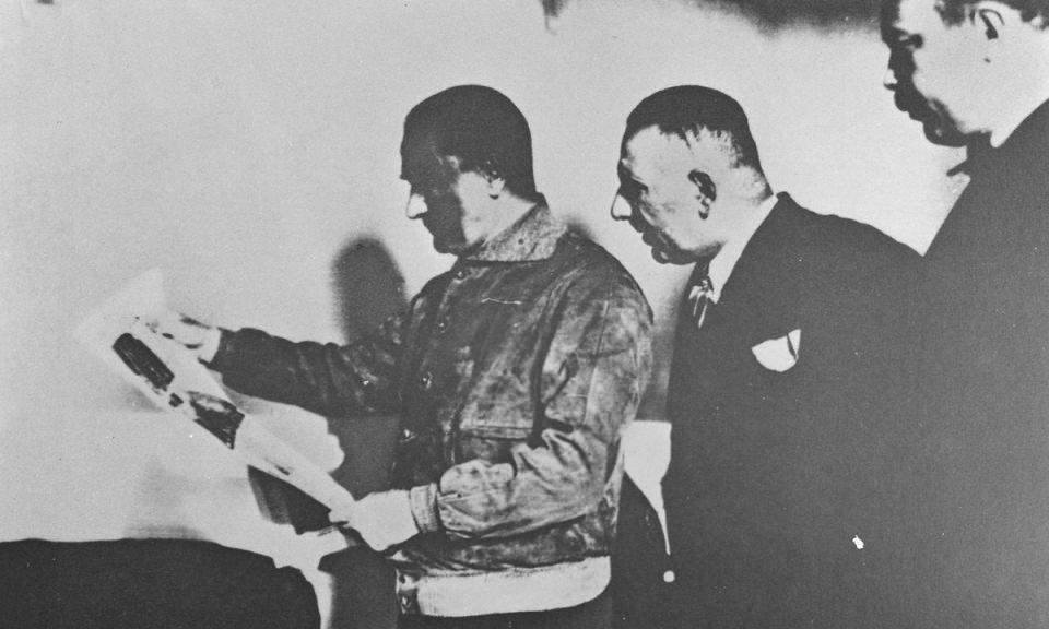 <p>Mustafa Kemal Atatürk Ege vapuru ile Trabzon'a giderken.<br /> <br /> 29 Kasım 1930</p>