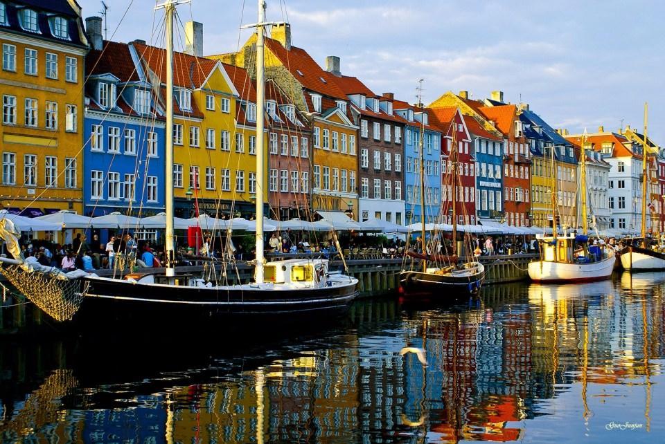 <p>Danimarka</p>  <p></p>