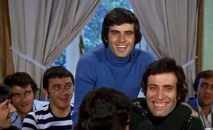 <p>Birlikte çalıştığı ustalardan biriydi Kemal Sunal...Tarık Akan ve Kemal Sunal çok yakın arkadaşlardı.</p>  <ul> </ul>