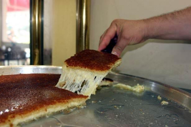 Hatay'ın tatlıları ramazan sofralarını süslüyor