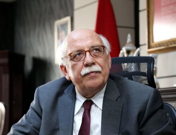 <p><strong>Milli Eğitim Bakanı Nabi Avcı</strong><br /> </p>  <p>Nabi Avcı, 8 Ekim 1953'te Bilecik'te doğdu. Baba adı Abdullah, anne adı Habibe'dir.</p>  <p>Öğretim Üyesi Prof. Dr.; Orta Doğu Teknik Üniversitesi İdari Bilimler Fakültesini bitirdi. Doktorasını Anadolu Üniversitesinde İletişim Bilimleri alanında yaptı.<br /> 1974 yılında Kültür Bakanlığında memuriyete girdi. Anadolu Üniversitesinin kuruluşunda İletişim Bilimleri Fakültesinde öğretim görevlisi oldu. Milli Eğitim Bakanlığı ve Başbakanlık Müşavirliği görevlerinde bulundu. Çeşitli ulusal televizyon, dergi ve gazetelerde program yapımcısı, köşe yazarı ve genel yayın danışmanı olarak çalıştı. 2000 yılında İstanbul Bilgi Üniversitesi İletişim Fakültesinde profesör oldu. 2003'te Başbakan Başmüşavirliği görevine getirildi. TÜBİTAK Bilim Teknoloji Yüksek Kurulu Üyeliği ve UNESCO Türkiye Milli Komisyonu Başkanlığı yaptı. Telif ve tercüme olarak çok sayıda kitabı bulunmaktadır.<br /> 24. Dönemde TBMM Milli Eğitim, Kültür, Gençlik ve Spor Komisyonu Başkanı oldu.<br /> Çok iyi düzeyde İngilizce, orta düzeyde Almanca bilen Avcı, evli ve 5 çocuk babasıdır.</p>  <p></p>