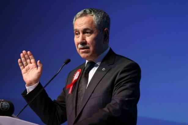 <p><strong>Başbakan Yardımcısı Bülent Arınç</strong><br /> <br /> </p>  <p>Bülent Arınç, 25 Mayıs 1948'de Bursa'da doğdu. Babasının adı İbrahim, annesinin adı Ayşe Sevdiye'dir.</p>  <p>Avukat; Ankara Üniversitesi Hukuk Fakültesini bitirdi.<br /> Serbest avukatlık yaptı. Adalet ve Kalkınma Partisi Kurucu Üyesi oldu.<br /> 20, 21, 22 ve 23. Dönemde Manisa Milletvekili seçildi. 22. Dönemde Türkiye Büyük Millet Meclisi Başkanı olarak görev yaptı. 23. Dönemde Karadeniz Ekonomik İşbirliği Parlamenter Asamblesi (KEİPA) Türk Grubu Başkanı oldu. Bu görevi esnasında, 60. Hükümette Devlet Bakanı ve Başbakan Yardımcılığı görevine atandı. 61. Hükümette Başbakan Yardımcısı oldu.<br /> İyi düzeyde İngilizce bilen Arınç, evli ve 2 çocuk babasıdır.</p>