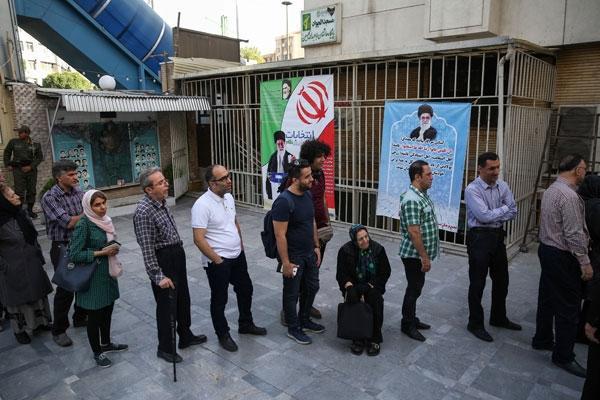 Kritik gün! İran sandık başında!