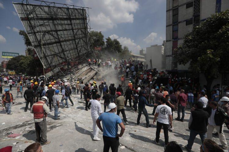 Meksika'da şiddetli deprem! Çok sayıda ölü var