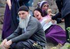 Mahallede akılalmaz kavga! Ortalık savaş alanına döndü